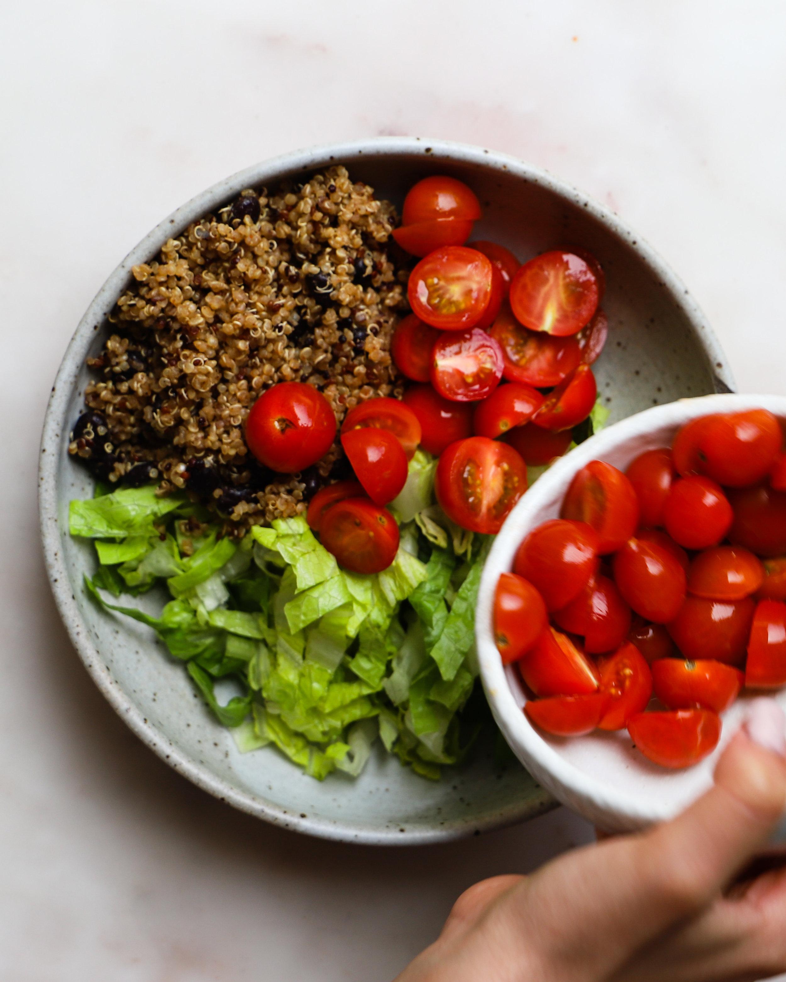 Lindseyeatsla_Taco_Salad_Chipotle_Dressing-8.jpg