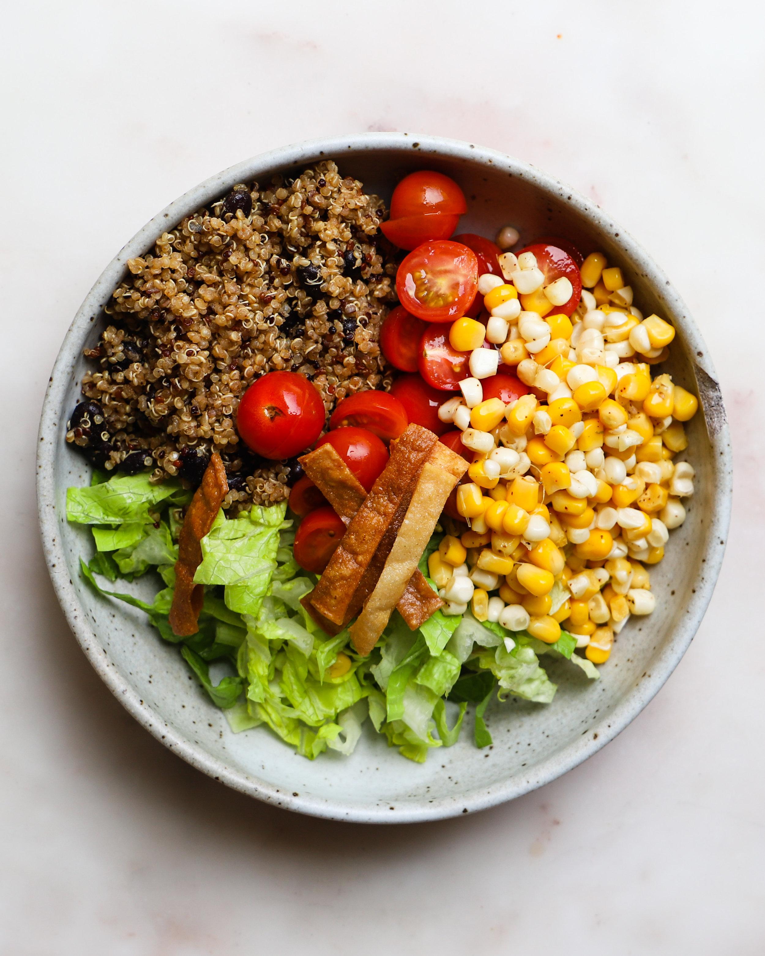 Lindseyeatsla_Taco_Salad_Chipotle_Dressing-14.jpg