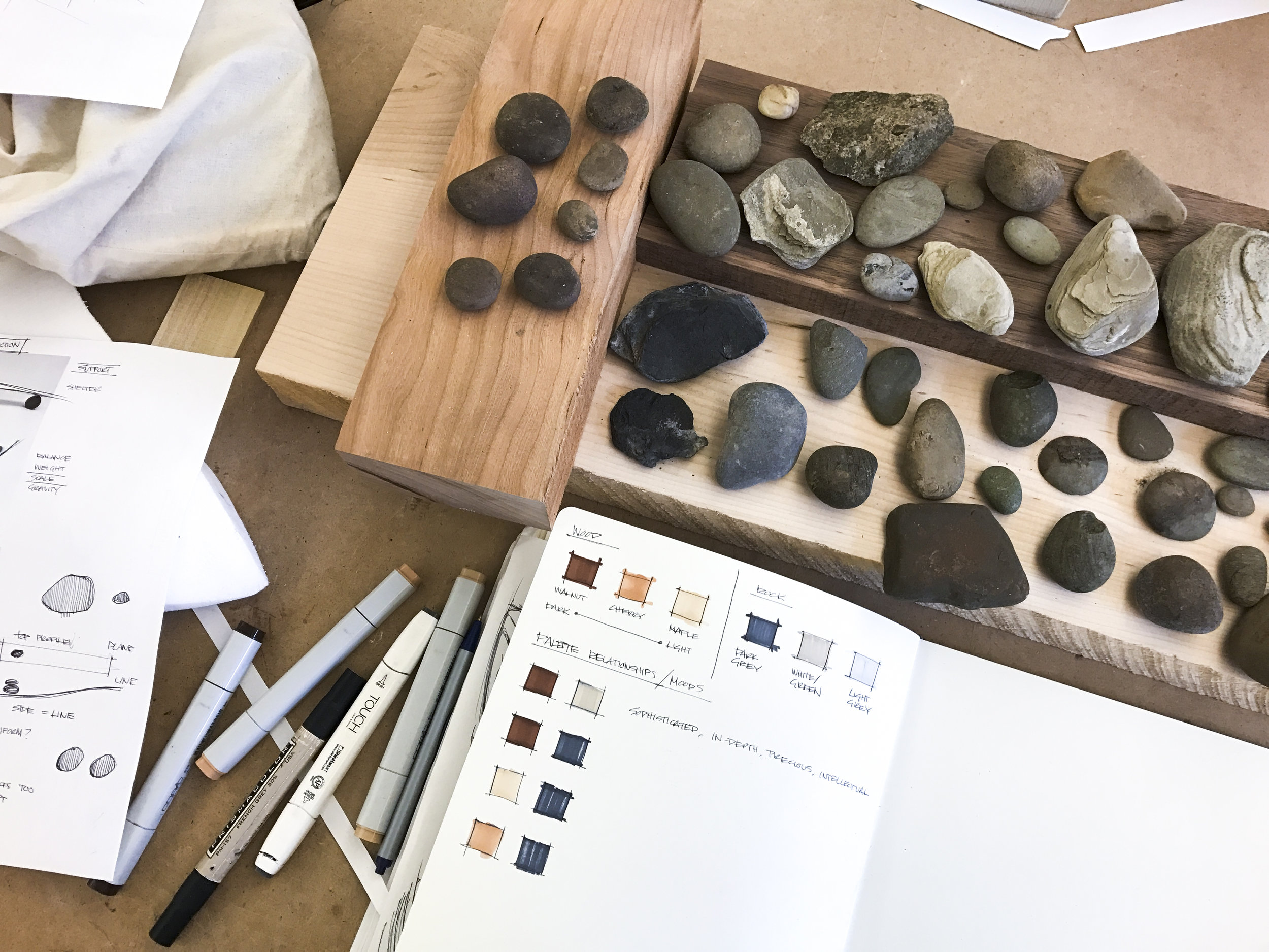 Selecting wood color and rock type pair