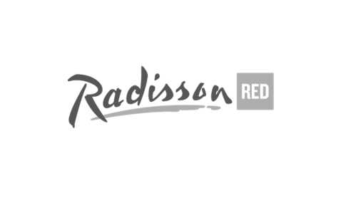 Radisson red logo - BW.png