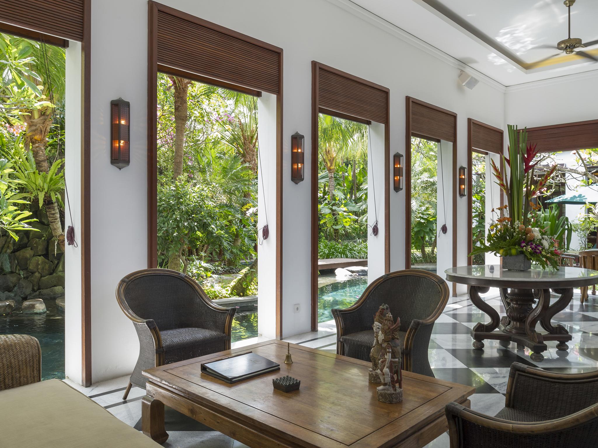 01-Villa Batavia - Breezy seating area.jpg
