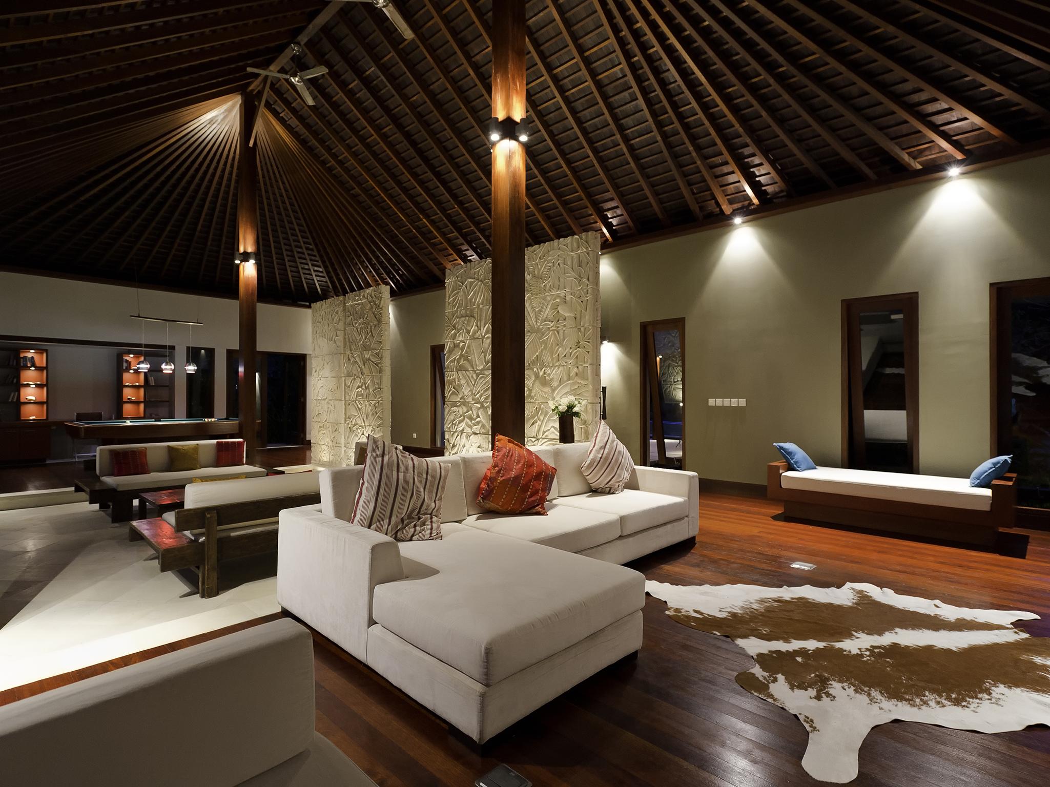 06-The Anandita - Living room.jpg