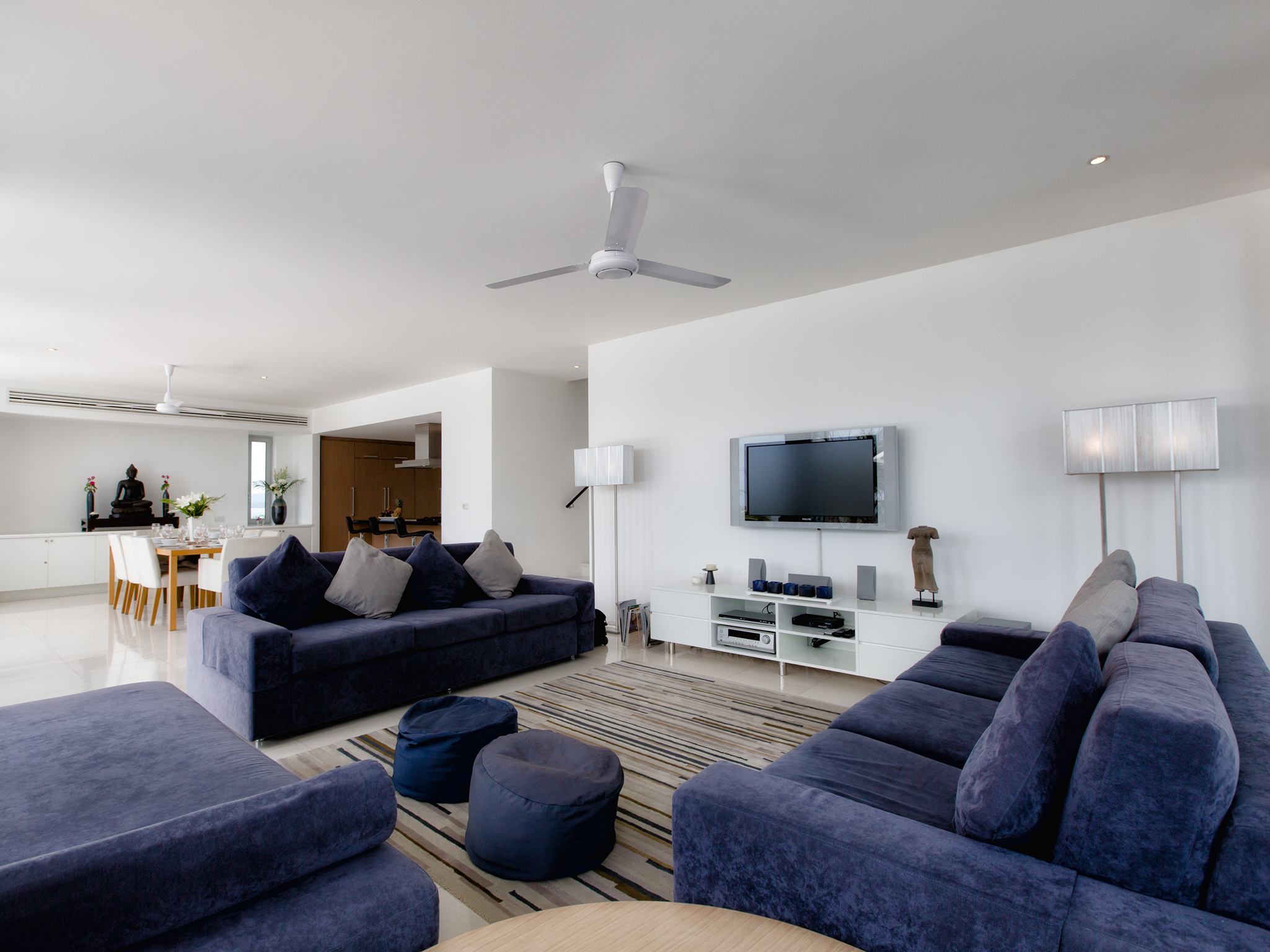 07-Villa Napalai Surin - Interior lounge room.jpg