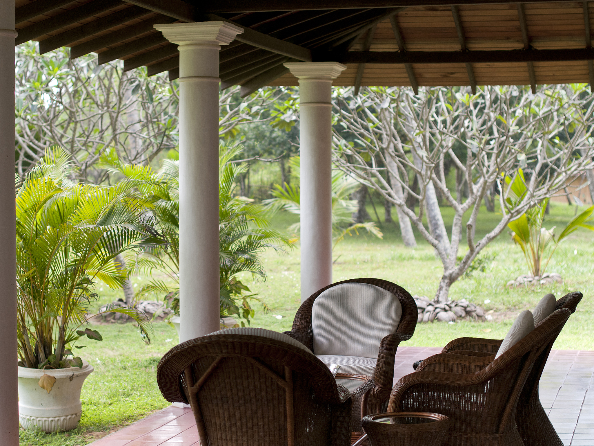 05-Oceans Edge-Tangalle - Front of house veranda chairs.jpg