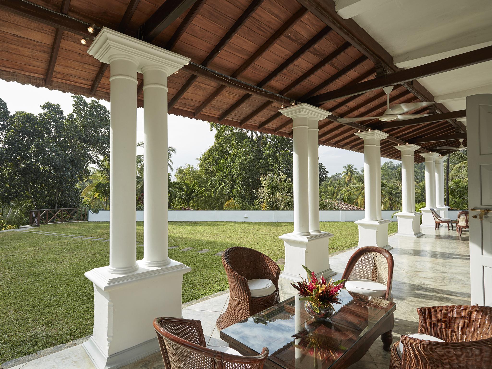 02-Pooja Kanda -Front terrace.jpg