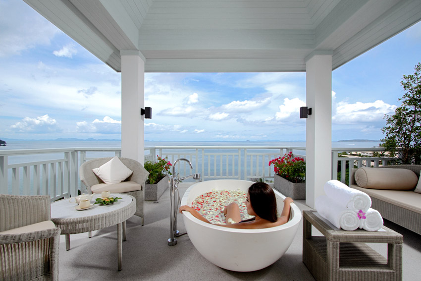 Amatara_oceanview-spa.jpg