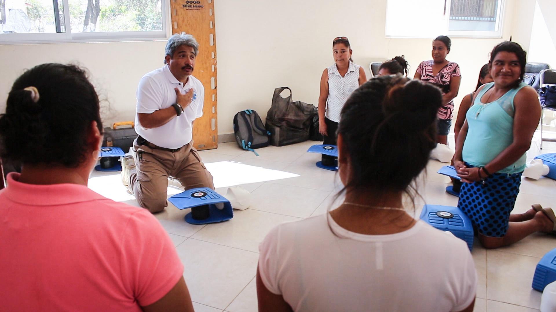 Talleres de primeros auxílios y talleres de salud nutricional.. -