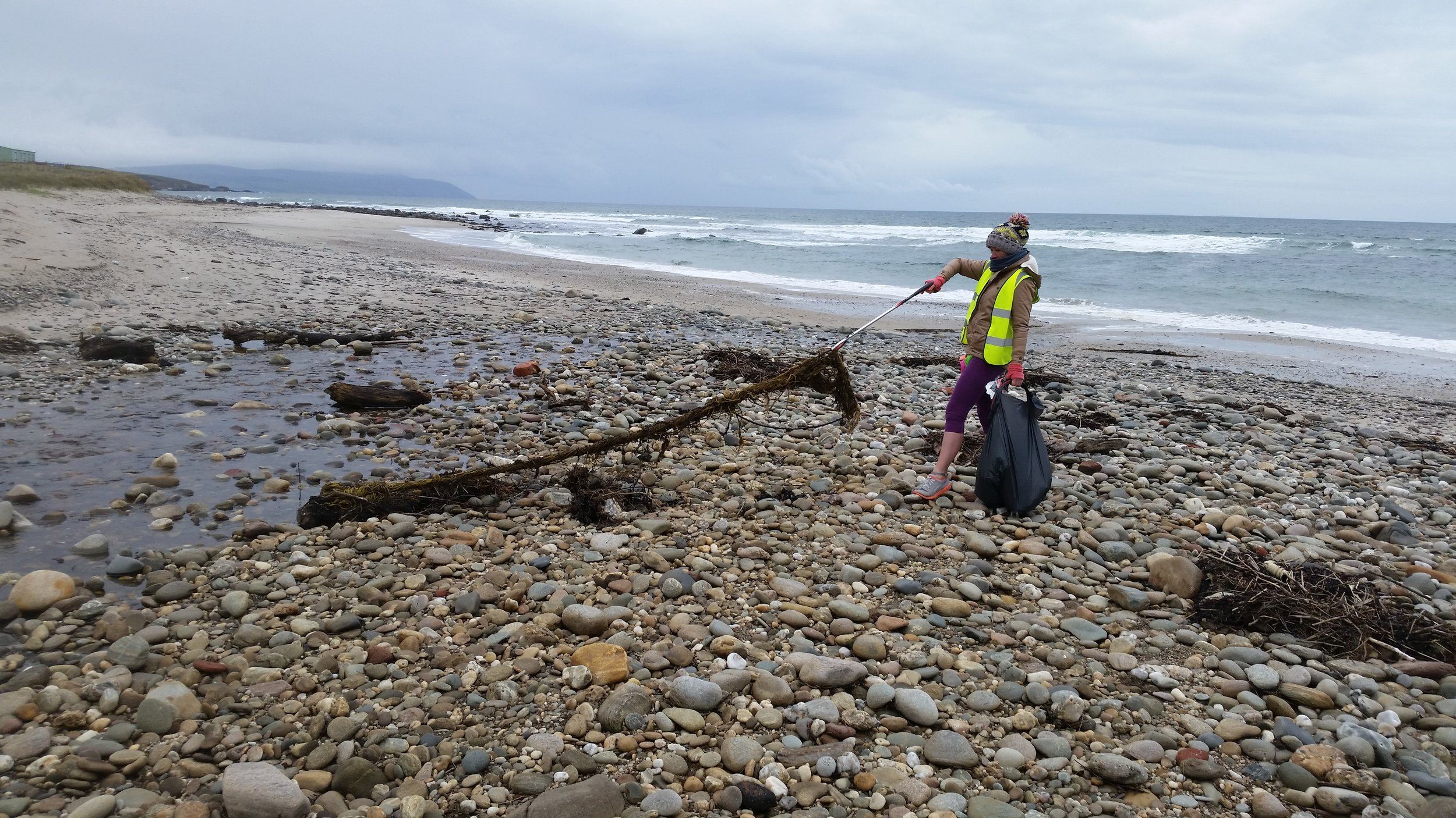 Giant piece of netting, both Ellie and Pete could not move together. Unfortunately we had to leave it on the beach.