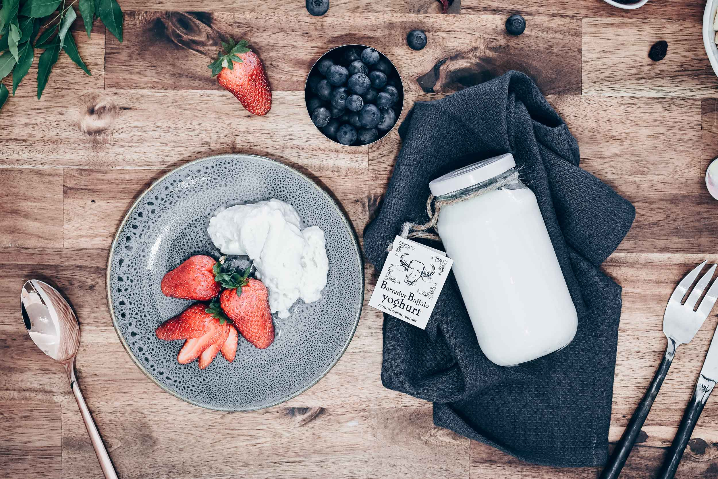 burraduc-farm-pot-set-buffalo-yoghurt.jpg