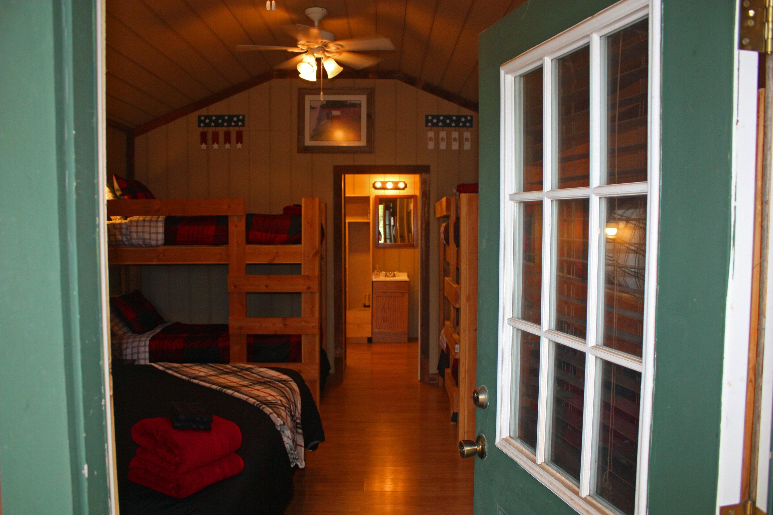 Cabin 7-08.jpg