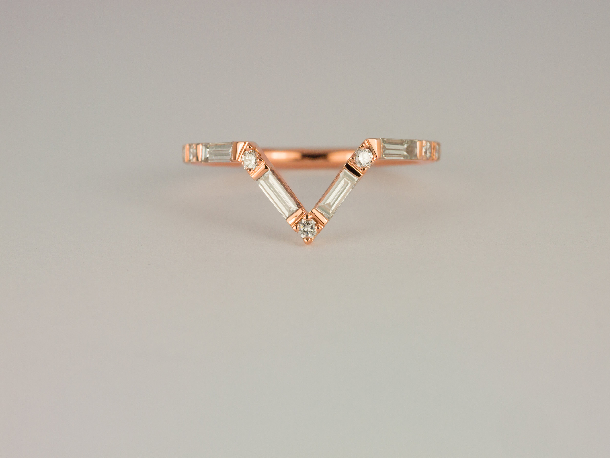 Baguette diamond Point ring in rose gold