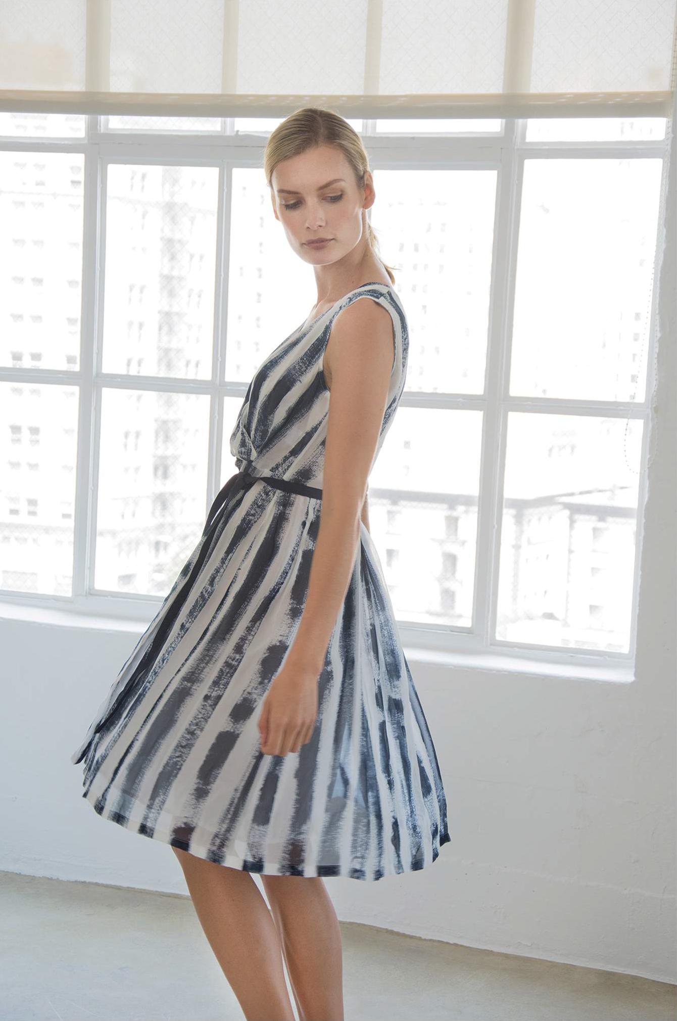 Dress: Fergie - SANTORELLI