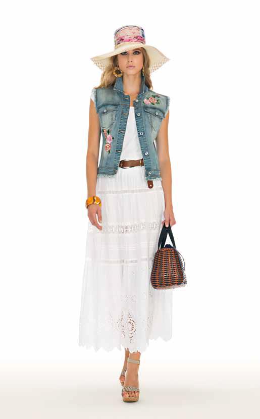 Jacket: Vos, Pullover: Culla, Skirt: Tepore - SPAGNOLI