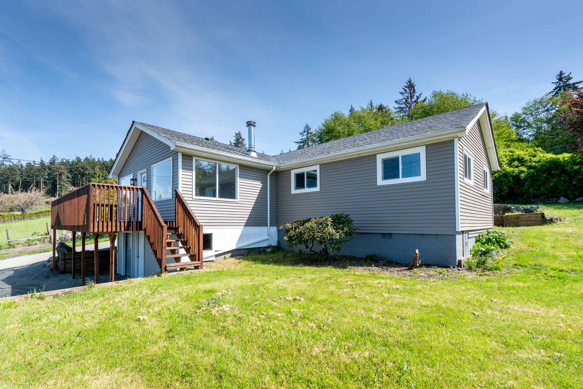 194 E Frostad Rd - Oak Harbor, WA 98277