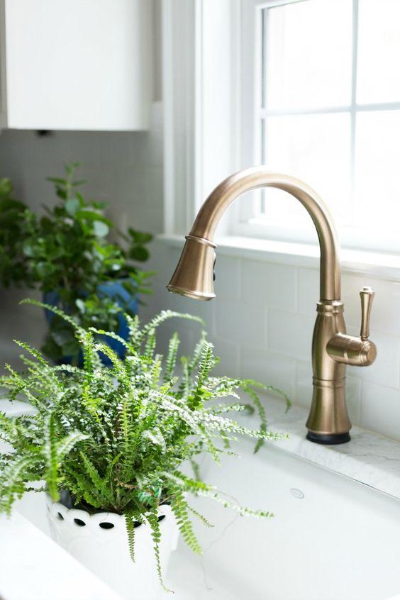 delta faucet.jpg