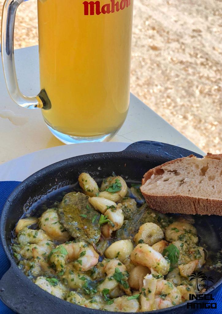 Garnelen in Knoblauch in der Bar Playa