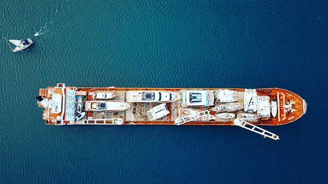 Perspective. . #splash #agentsea #maritime #marinemedia #birdseyeview #dronestagram #dji #mavicpro #caribbean #sailboats #sailing #shippingships #superyachts #yachting #IGatsea