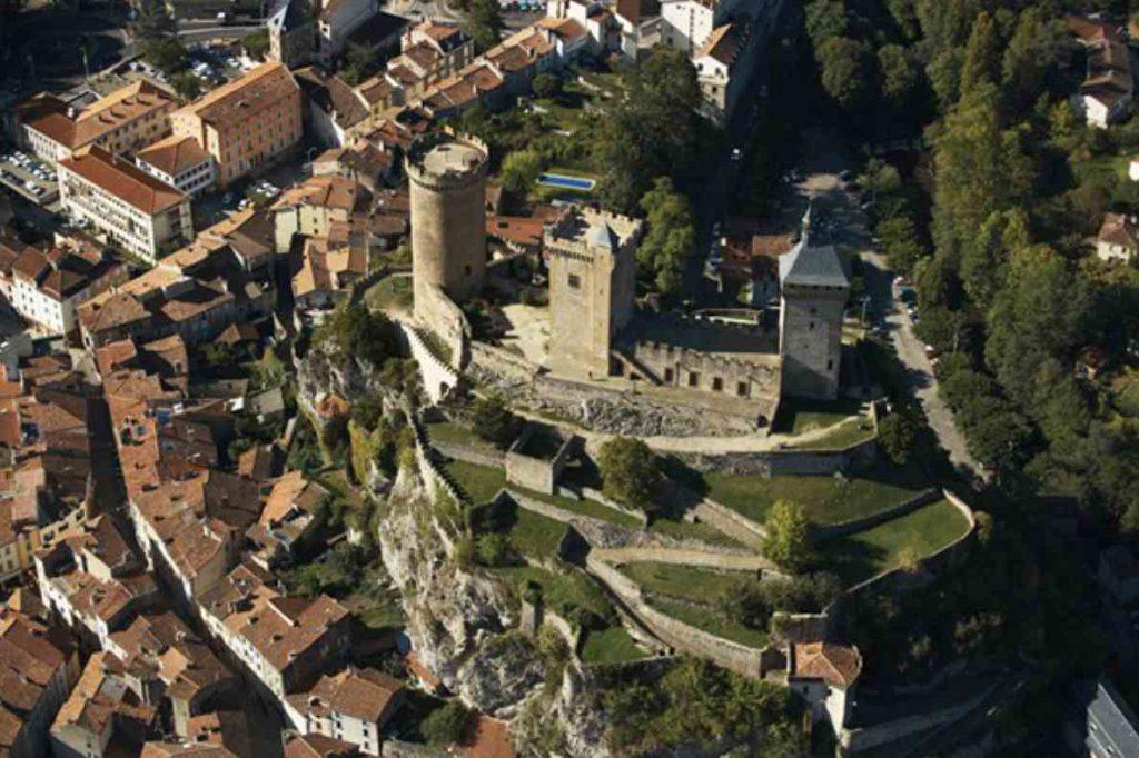Foix castle from above. Photo Foix Tourism