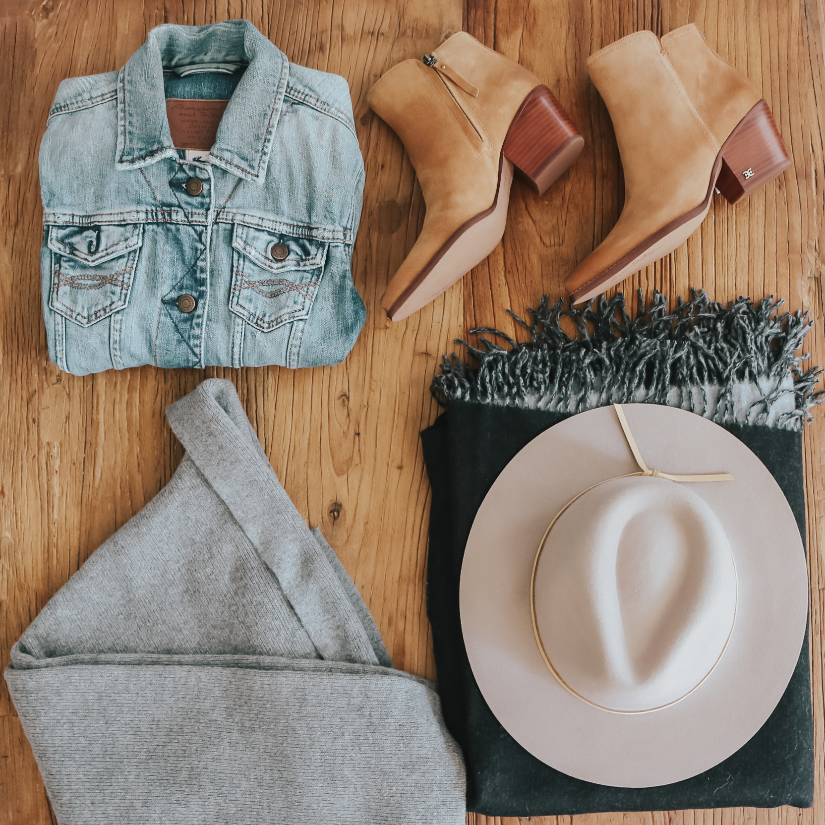 5 ITEMS FOR A FALL-PROOF CLOSET