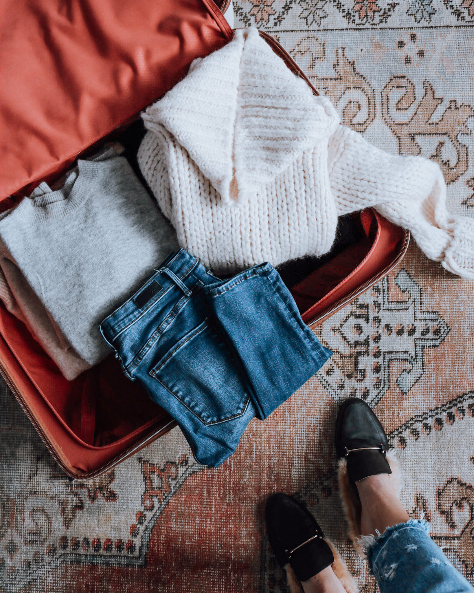 3 ESSENTIALS TO PACK FOR A WINTER WEEKEND GETAWAY
