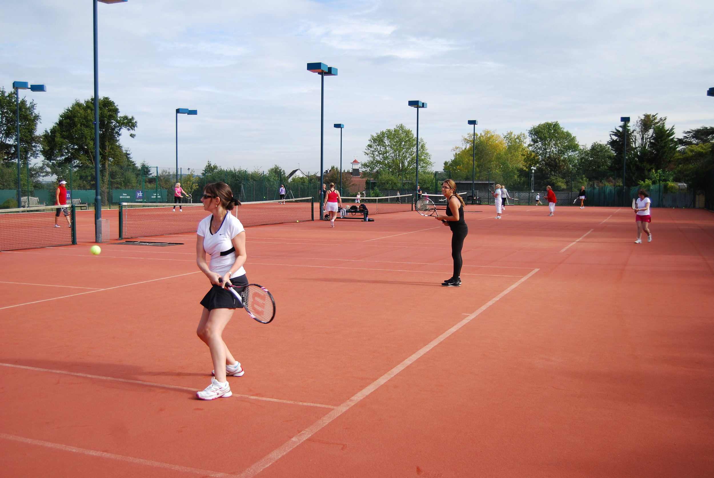 We had 20 participants for the midweek tournament last Thursday. David Mccart and Sam McCarthy were the winners, with Becky MacCallum & Hannah Maynard finishing a close 2nd. There was some great tennis played throughout the morning and a lovely lunch followed. Many thanks to Sandra Whichello for running the tournament. The club made a profit of £123, so a big win win!!