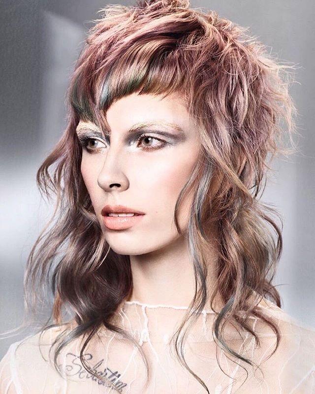 Mid day Mullet!!! Hair @lydwolfehair  PHOTO @jackeamesphoto  MAKEUP @lanslondon  STYLIST @stylishem  MODEL @missbdyer  #mulletmonday #mulletlife #elevatecolor #elevatehair  #getelemental #colorzoom2018 #CZUK18