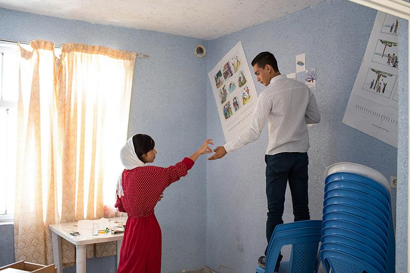 MOJGAN GHANBARI Tehran, Iran  www.mojganghanbari.com   @mo0jgaaan  //  @mojgaanghanbari