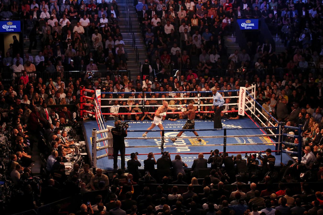 BRIDGET BENNETT Las Vegas, NV, USA  www.bridgetkb.com   @bridgetkbennett  //  @bridgetkbennett