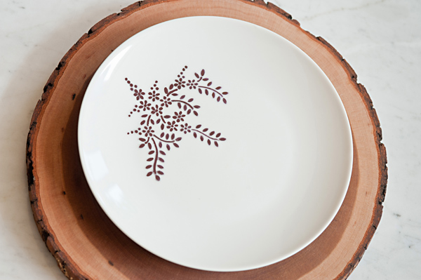 Sharpie Dinnerware - find the tutorial  HERE
