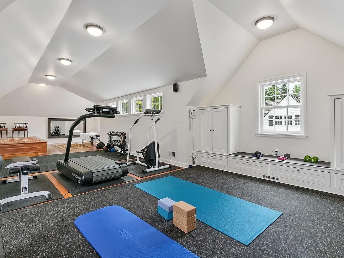 26 Workout Room (1).jpg