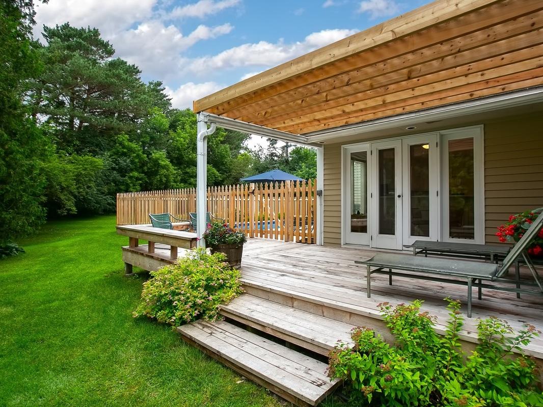 22+Backyard+Deck.jpg