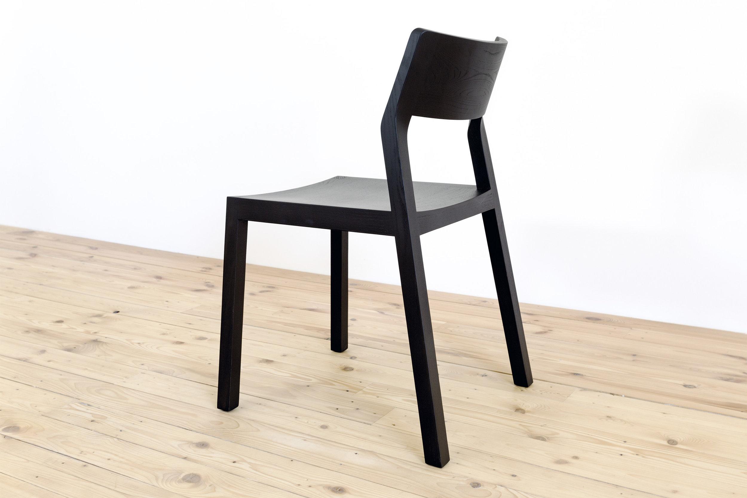 Stuhl-Eiche-Massivholz-minimalistisches-Design-Werktag-Möbel-10.jpg
