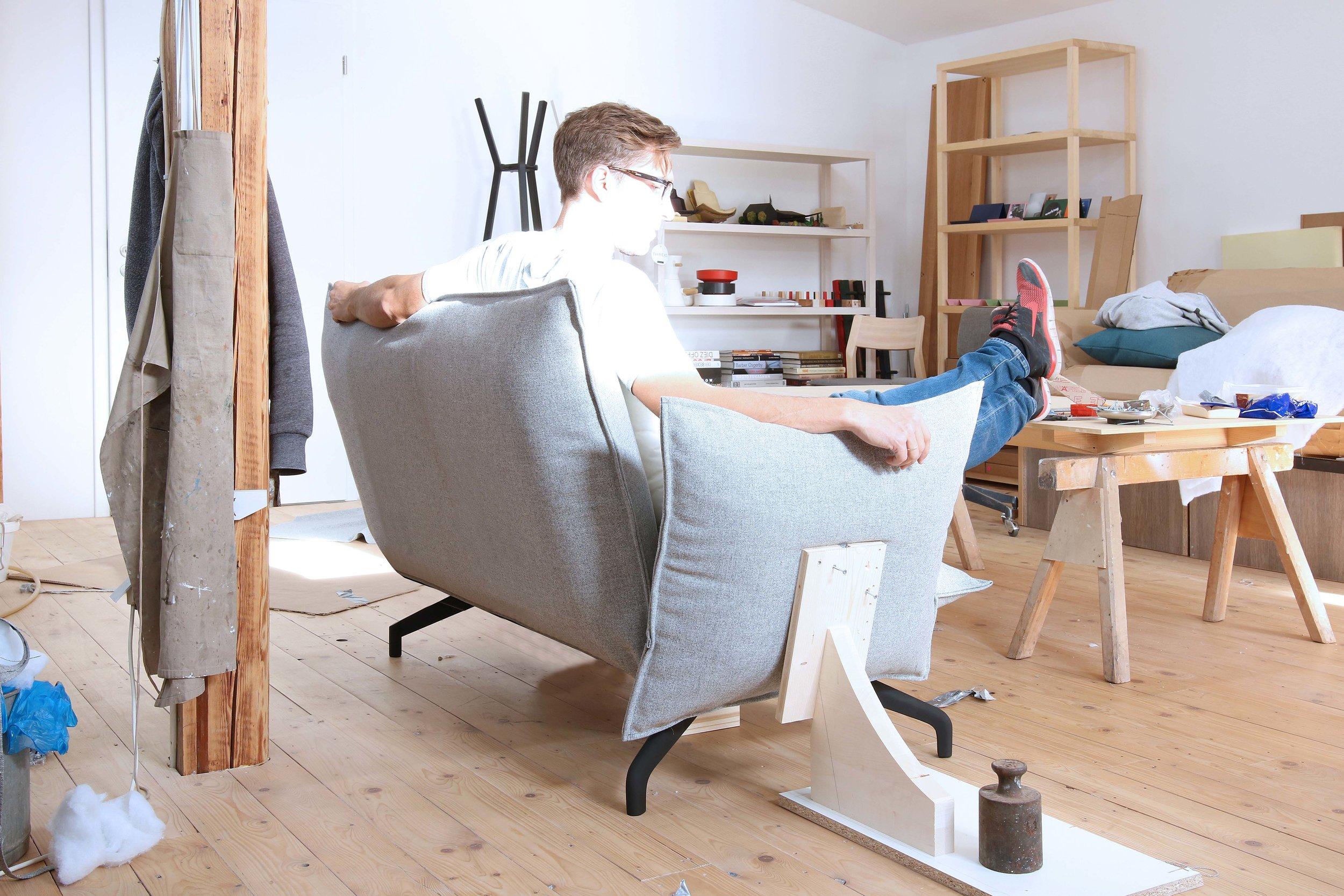 Johannes-Steinbauer-Design-Invert-Sofa-Softline-Making-Of-6.jpg