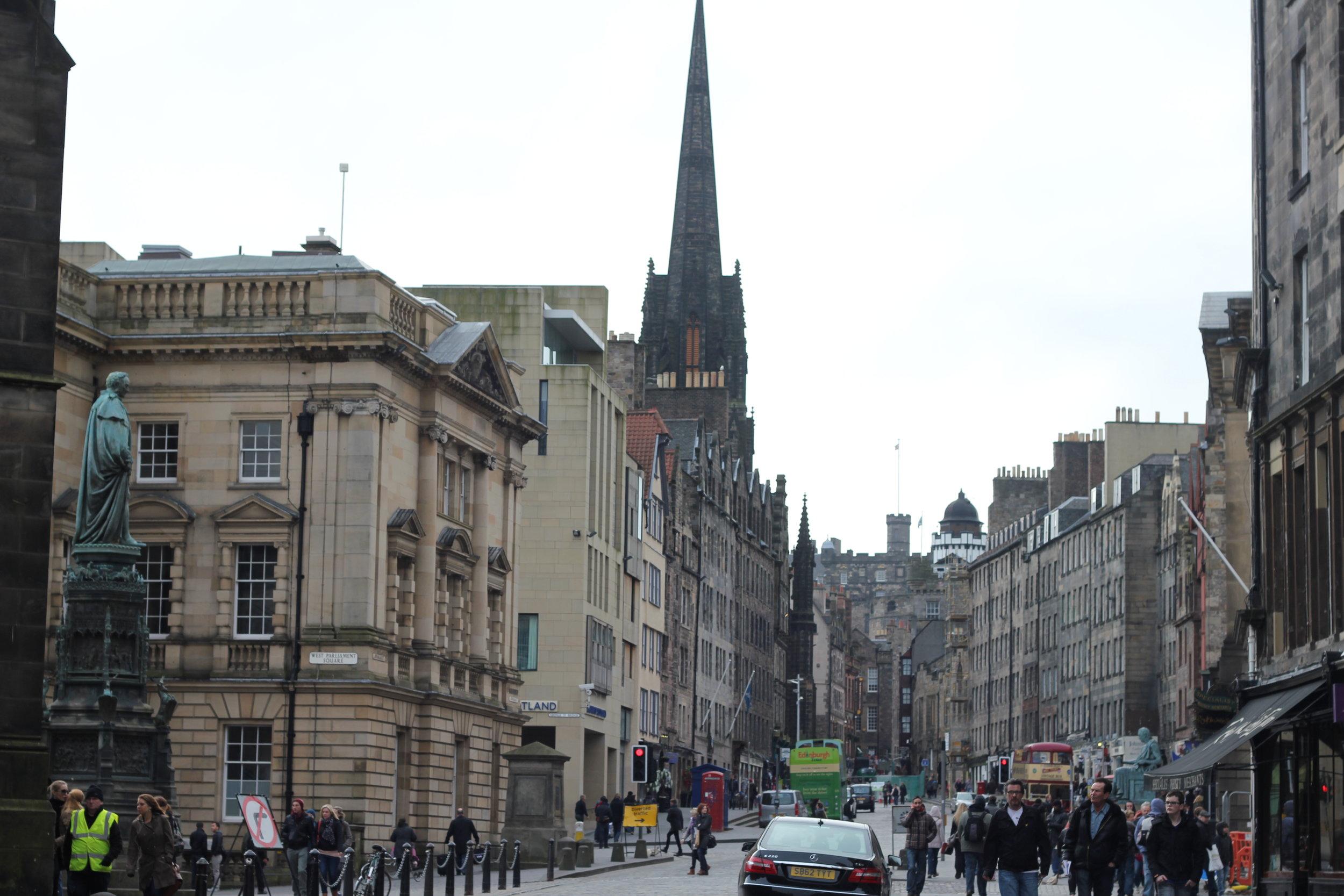 Street view of Edinburgh's Royal Mile