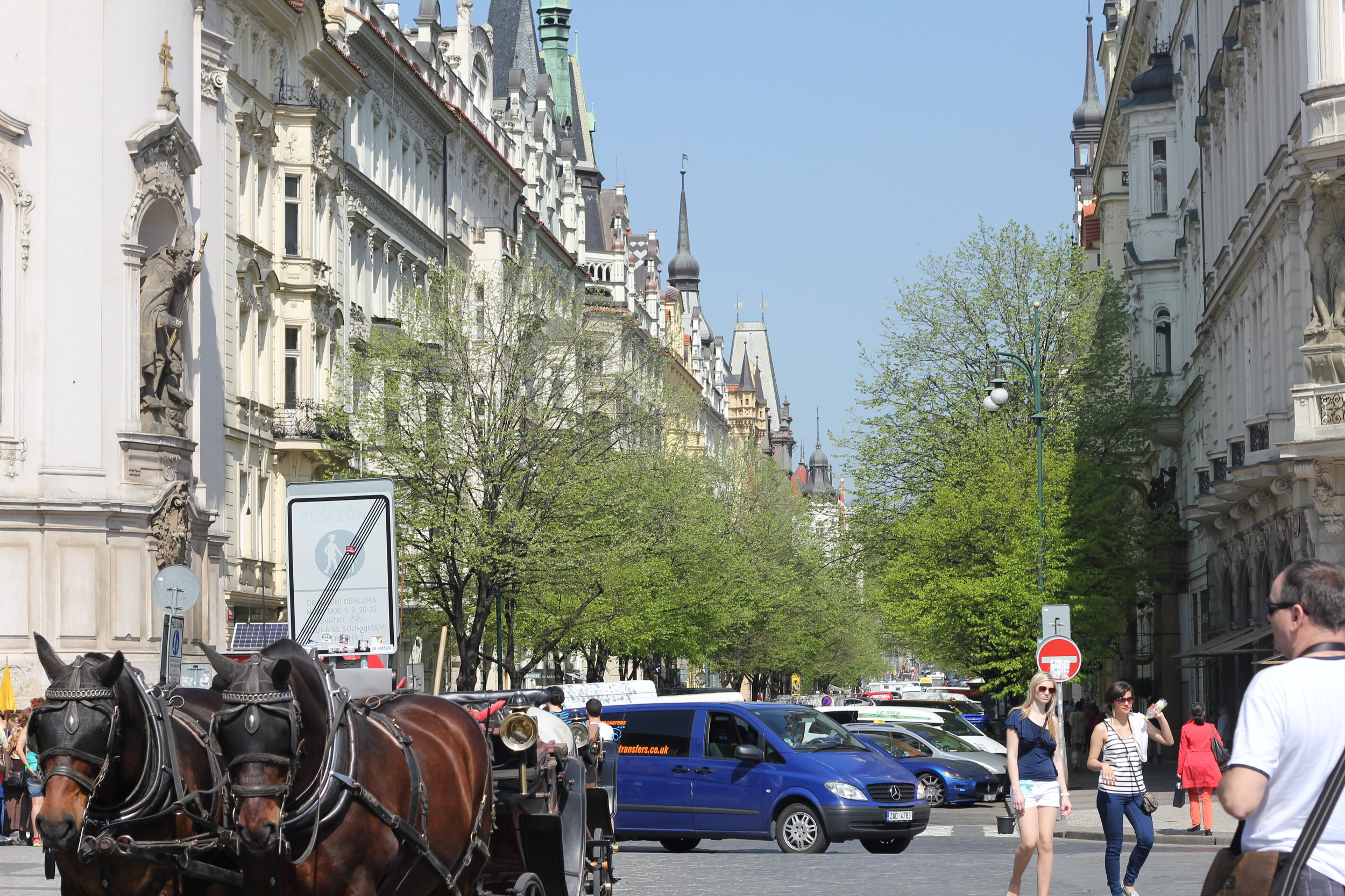 See? Horse and carriage. Smells like Czech spirit.