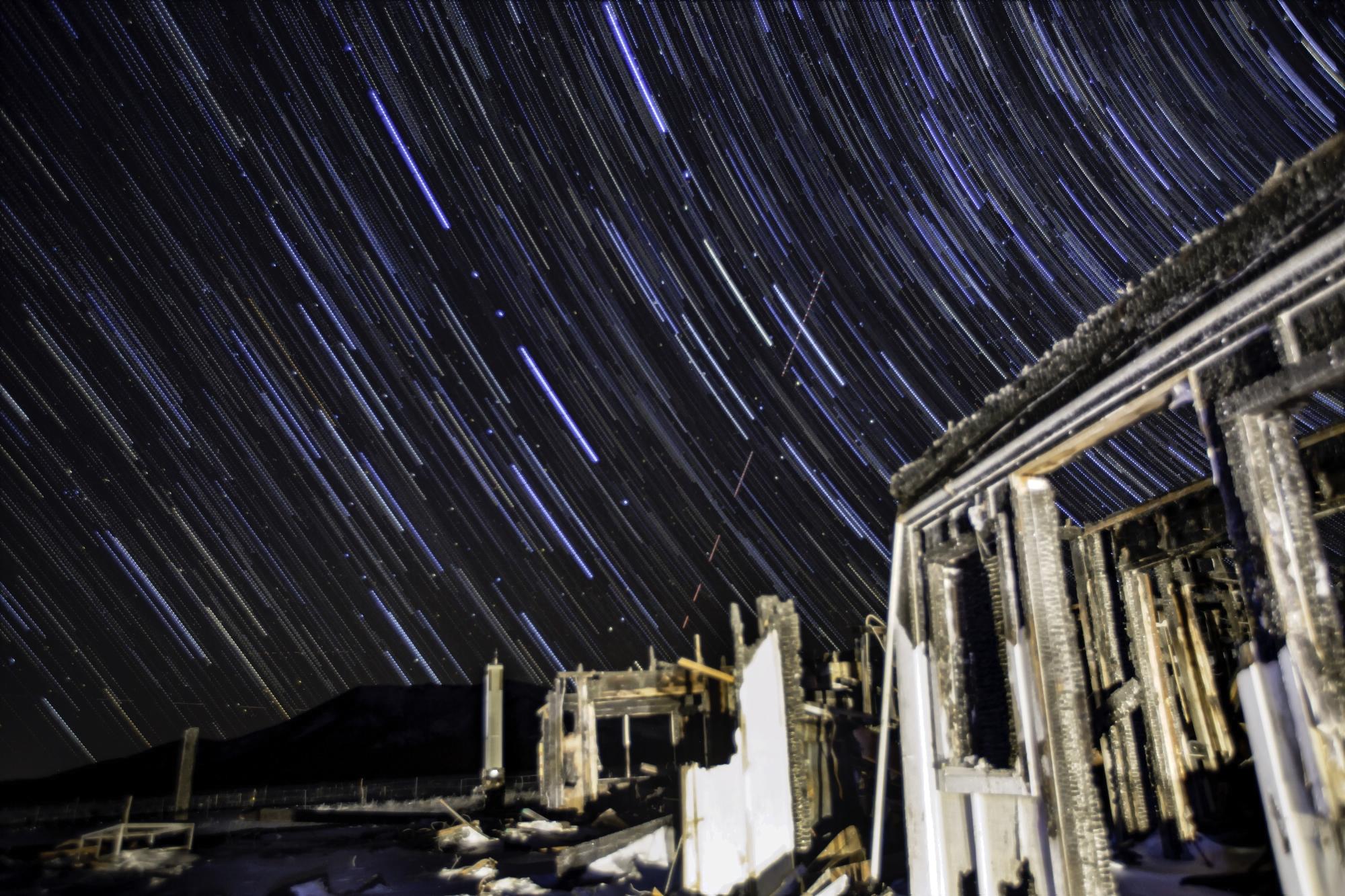 StarStaX_2016_11_30_null_star-snow1-1-2016_11_30_null_star-snow1-9_gap_filling_00000049.jpg