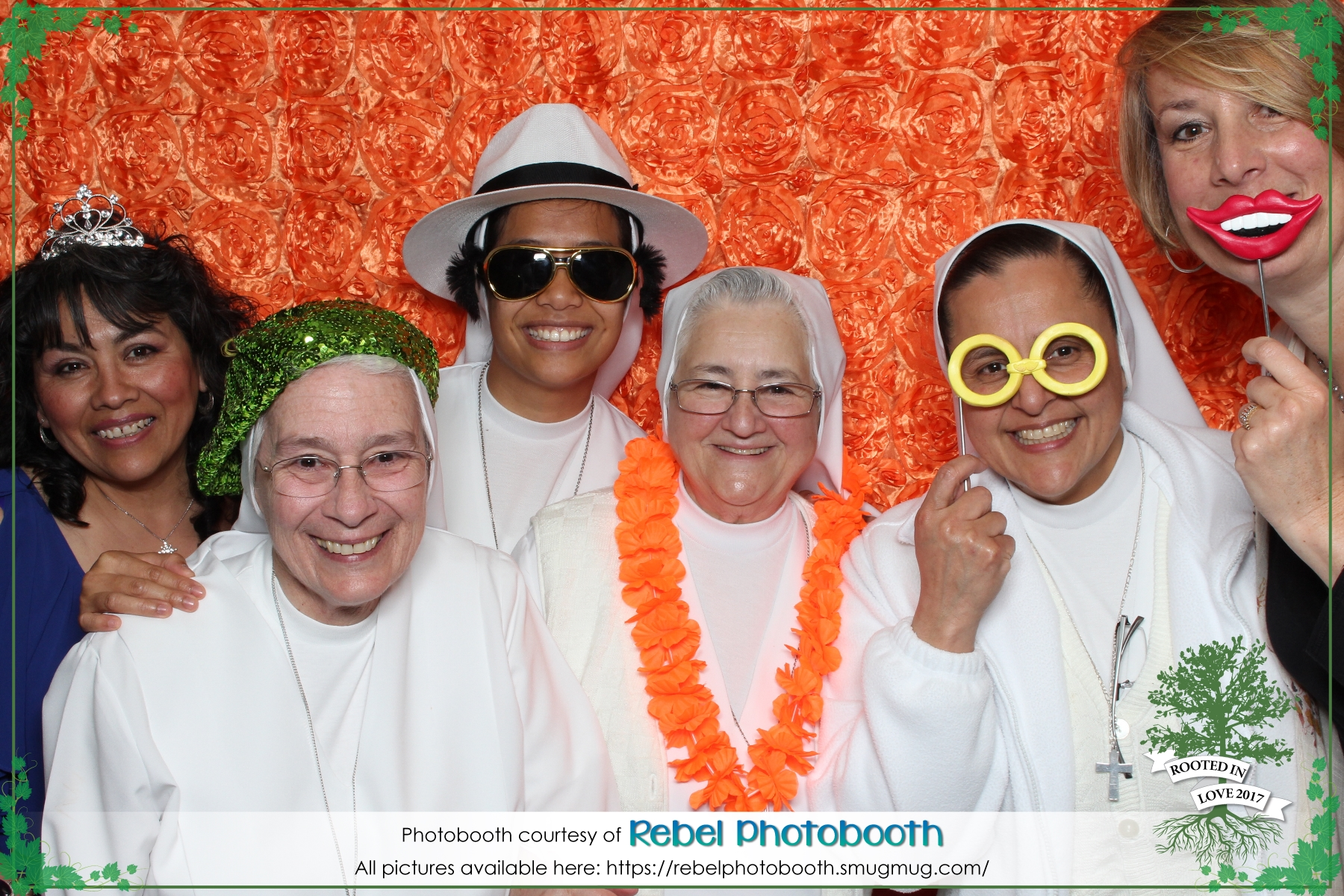 SIsters in the photobooth - a first for Rebel Photobooth