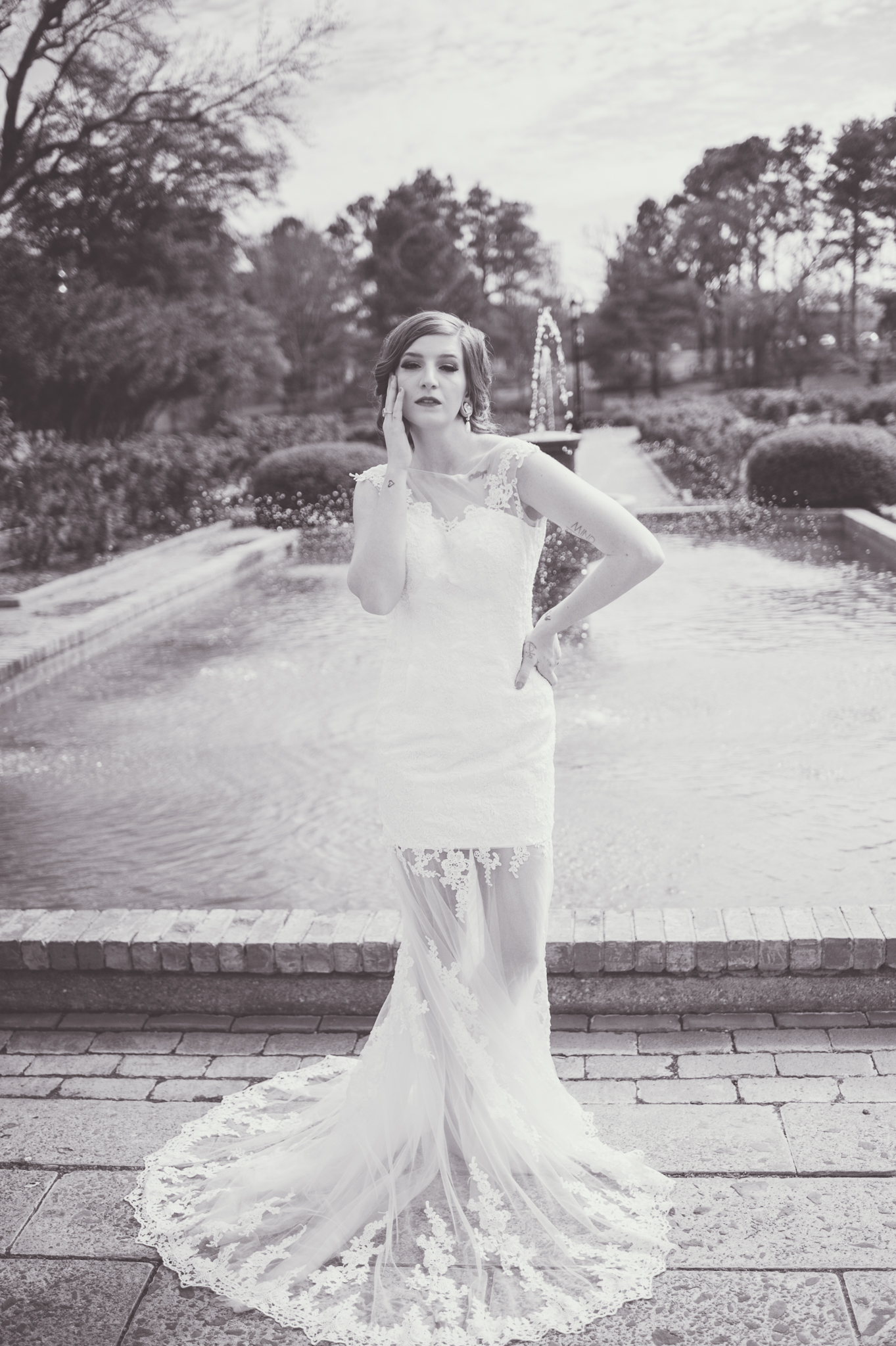 I just love a beautiful black and white bridal image.