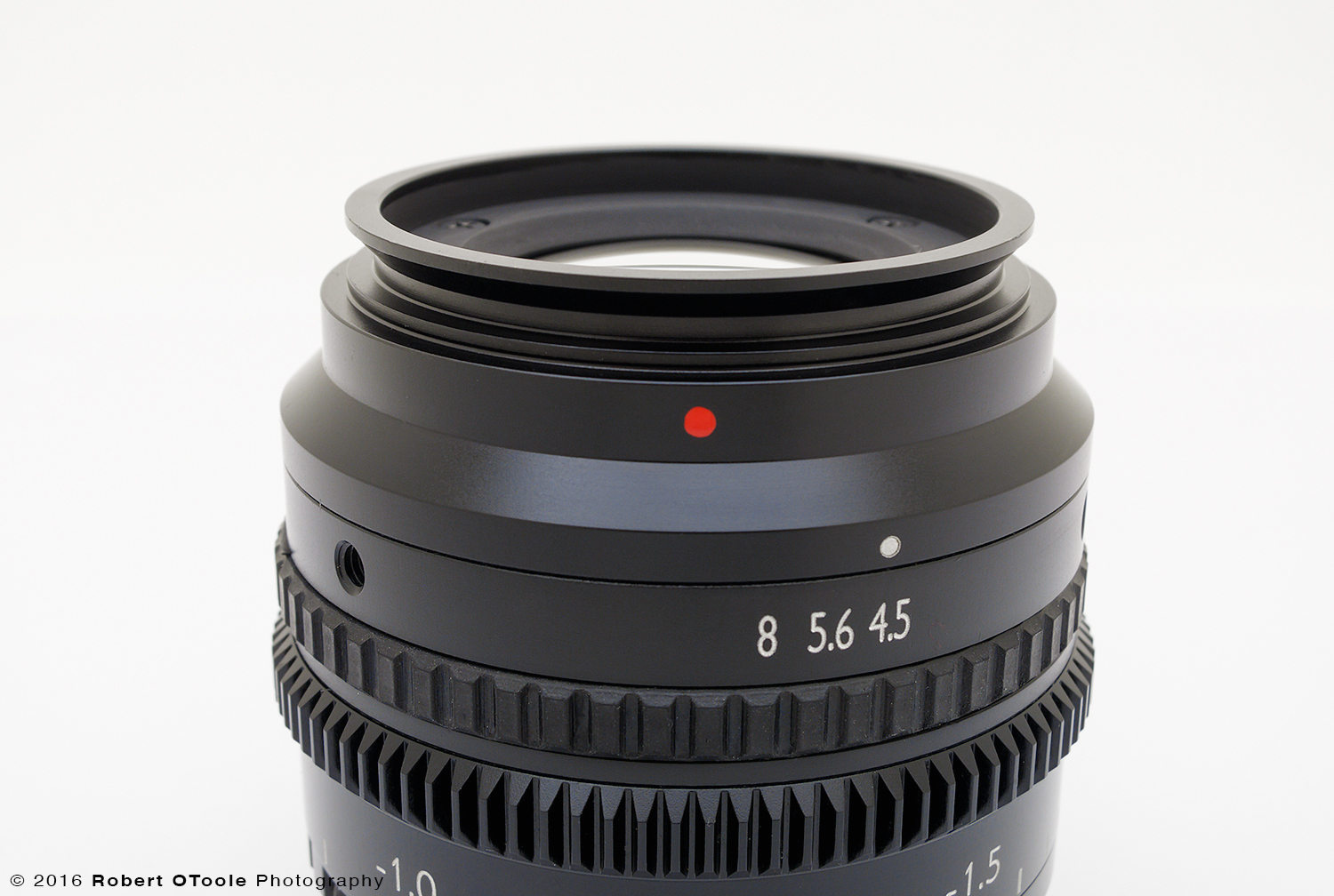 This red dot indicates the position that the lens should be in to perform at its best and the V mount makes it easy to position the lens to that orientation.