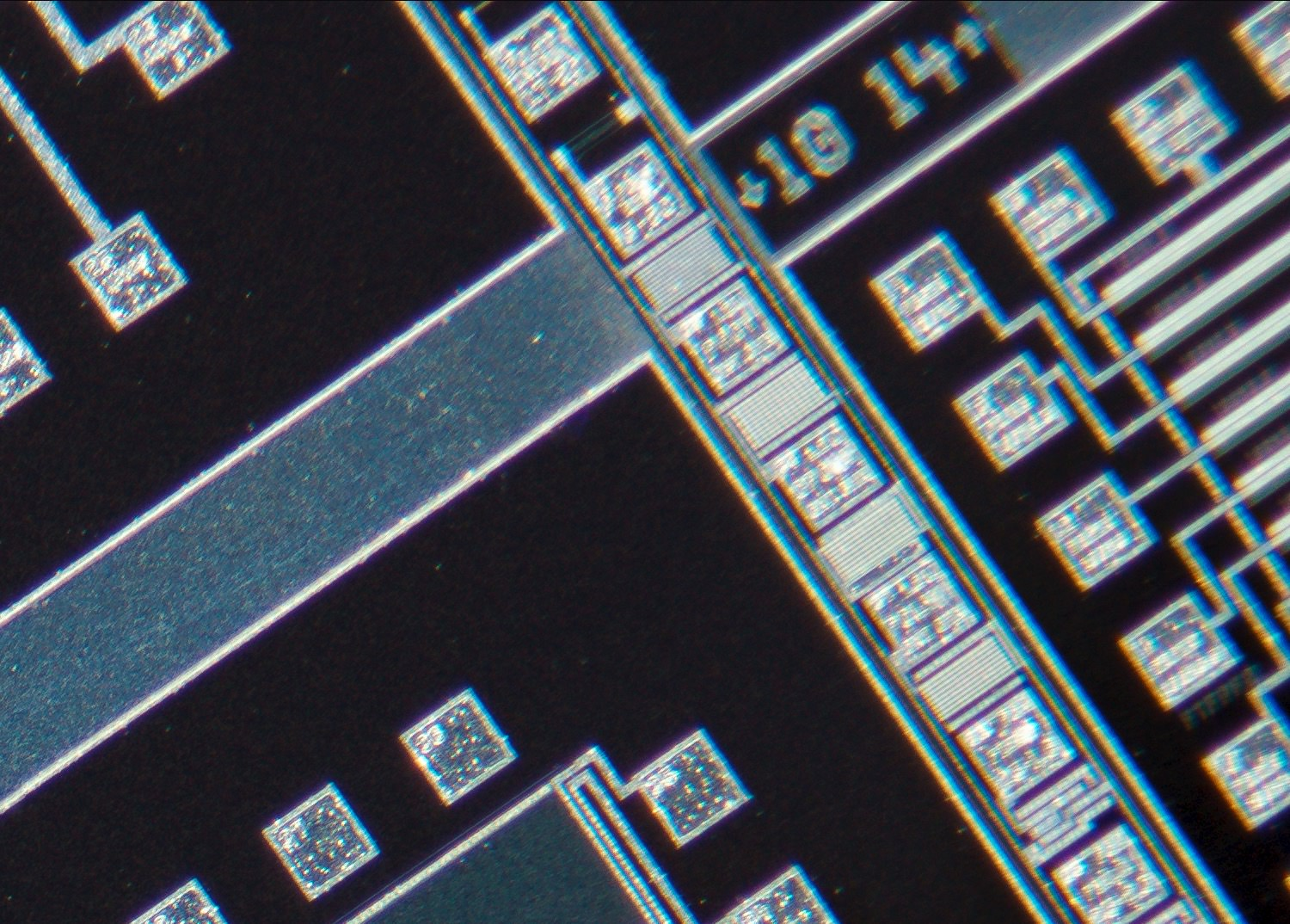Nikon CF N Plan Achromat 4X/0.13 Microscope Objective 100% actual pixel view corner crop. Clicking on an image will open a larger version.