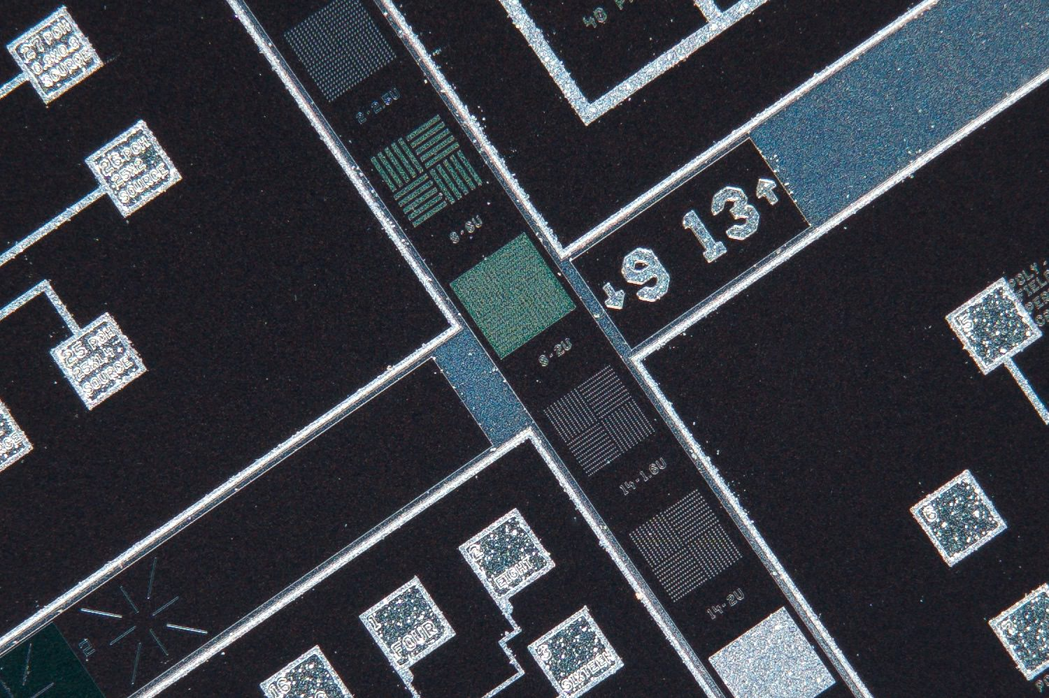 Nikon CFN Plan Apo 4x/0.20 160/- Finite Microscope Objective 100% actual pixel view center crop. Clicking on an image will open a larger version.
