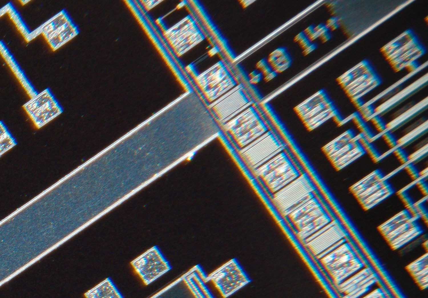 Nikon CF Plan APO 4x/0.16 160/- Finite Microscope Objective 100% actual pixel view corner crop. Clicking on an image will open a larger version.