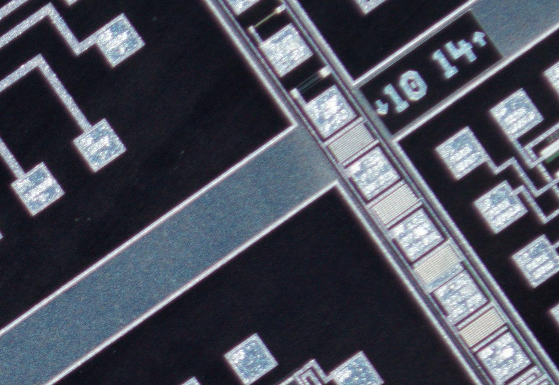 Schneider Kreuznach 28mm f/4 Componon, corner crop at 100% view, f/4.5 at 4x