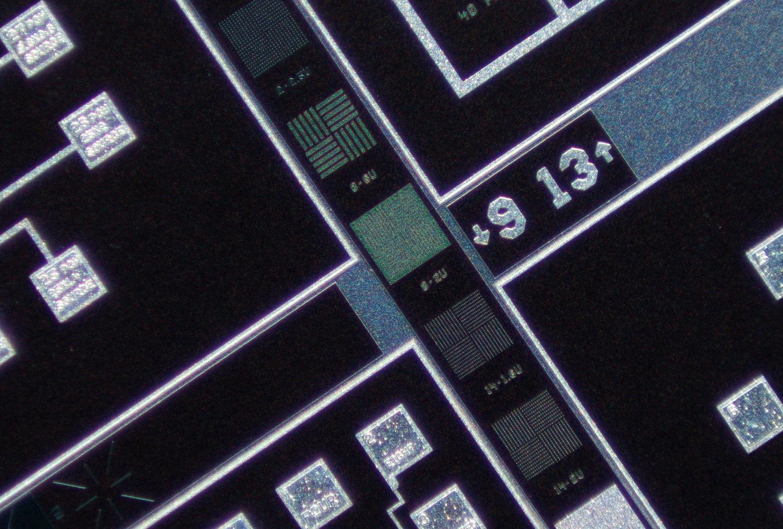 SK 28mm f/2 Xenon 100% center crop at f/2