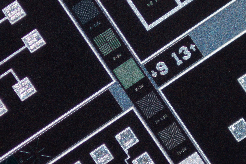 SK 28mm f/2 Xenon 100% center crop at f/2.8