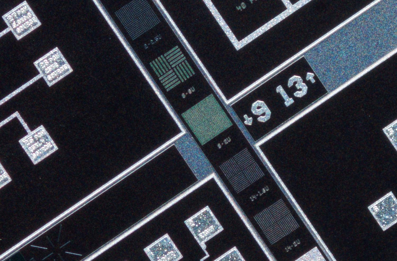 SK 28mm f/2 Xenon 100% center crop at f/4.5