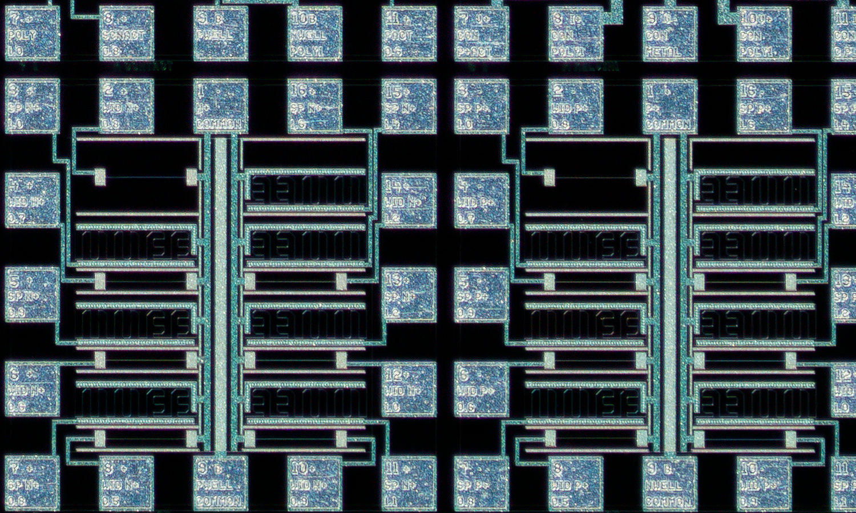 Lomo 3,7x 100% actual pixel crop bottom edge