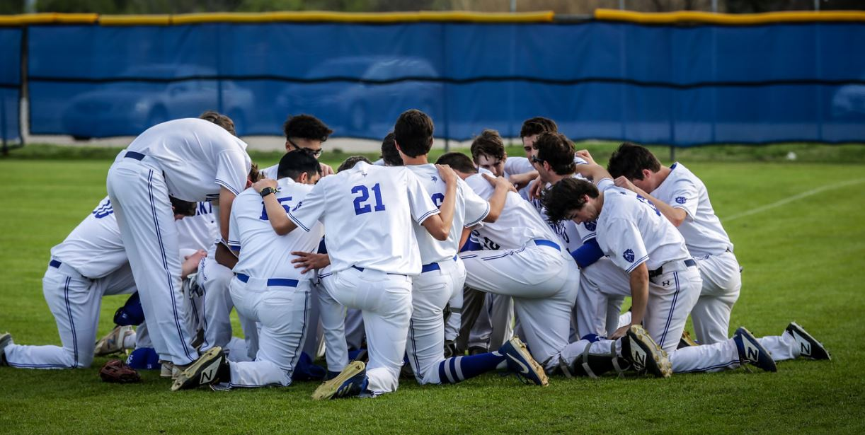 BASEBALL PICKS UP TWO NON-DISTRICT WINS LAST WEEK AGAINST HSAA AND COUNTRY DAY! -