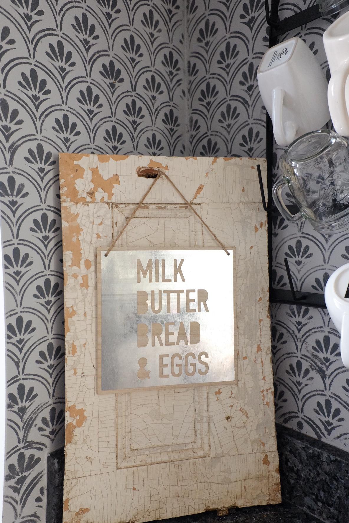 Stencil:@Royal Design Studio; Sign: @Target; Mug Rack: @DecorSteals