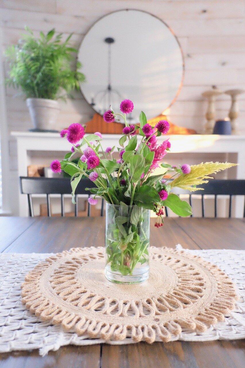 The simplicity of fresh flowers for Fall.  Cottagestyleblog.com